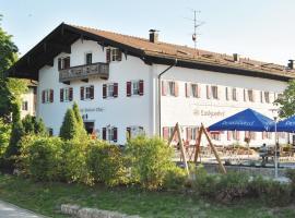 Landgasthof Goldener Pflug, hôtel à Frasdorf