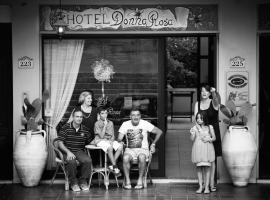 Hotel Donna Rosa, hotell i Sant'Alessio Siculo