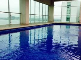 Luxury Suites River Front, apartment in Guayaquil