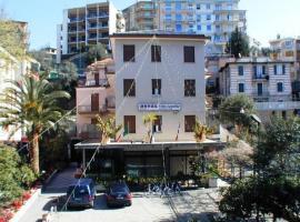 Hotel Villa Camilla, hotell i Varazze