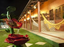 Pousada dos Hibiscos, hotel with pools in Beberibe
