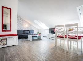 Apartments House Đurđica, beach hotel in Bol