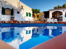 Elia & Tina Apartments, budget hotel in Hersonissos