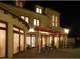 Hotel Patonai, hotel Fertődön