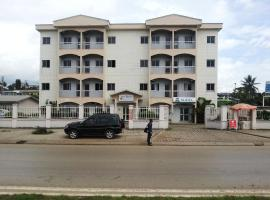Hotel Hibiscus Blvd Triomphal, hotel in Libreville