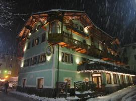 Hotel Alpina, hotel in Pinzolo