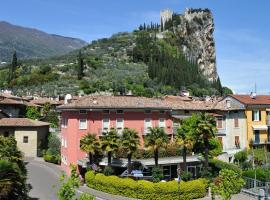 Hotel Sole Holiday, hotell i Arco