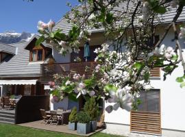 Apartments Supermjau, hotel blizu znamenitosti Kanin-Sella Nevea Ski Resort, Bovec