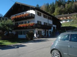 Guest house Sonnenhof, Bed & Breakfast in Mittenwald