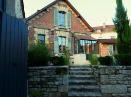 Fab House - Les Maisons Fabuleuses, bed and breakfast en Senlis