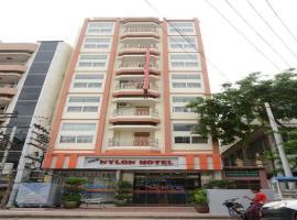 Hotel Nylon, hotel in Mandalay