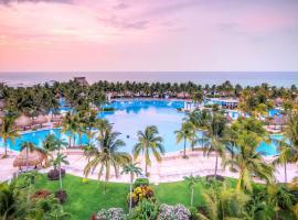 Suites at Mayan Palace Vidanta Resort Riviera Maya, hotel in Playa del Carmen