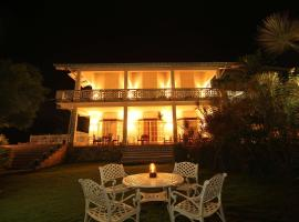 Laluna Ayurveda Resort, hotel in Bentota
