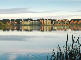 De Vere Cotswold Water Park, hotel in Cirencester