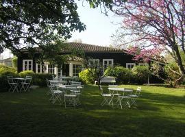 Residences Du Golf Des Roucous, hôtel à Sauveterre