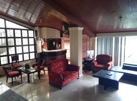 Villa Garza Inn, hostal o pensión en Guayaquil