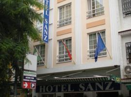 Hotel Sanz, hotell nära Aqualand Torremolinos, Torremolinos