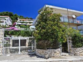 Meje Apartments, hotel near Museum of Croatian Archeological Monuments, Split
