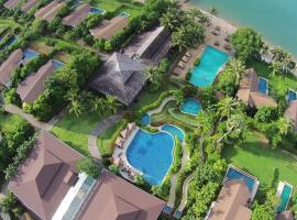 The Village Coconut Island Beach Resort, hotel in Phuket Town