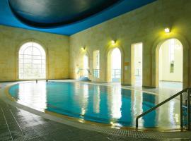 Twin Trees Hotel & Leisure Club, hotel in Ballina