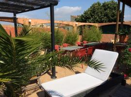 Le Gambetta, hotel near Le Cap d'Agde International Golf Course, Vias