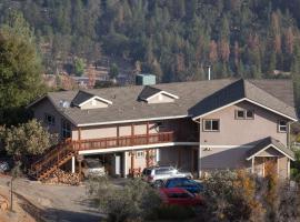 Yosemite Sierra View Bed & Breakfast, B&B in Oakhurst