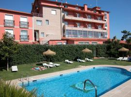 Hotel VIDA Playa Paxariñas, hotel with pools in Portonovo