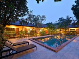 Happy Cottage, hotel near Tiger Muay Thai and MMA Training Camp, Chalong