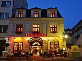 Film Hotel, hotel Pozsonyban