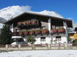 Ferienheim Leopoldine, Bed & Breakfast in Längenfeld
