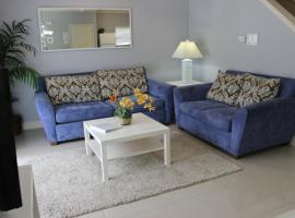 Lucaya Village Resort 4 Bedroom Vacation Townhome 1715, hotel in Kissimmee