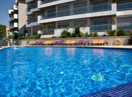 ArtPlatinum Suites & Apartments, lägenhet i Benalmádena