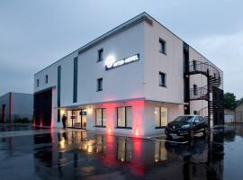 The Originals City, Hôtel Marne-la-Vallée Est, Meaux, hotel near Meaux-Boutigny Golf Course, Meaux