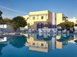 Acqua Vatos Santorini Hotel, hotel in zona Spiaggia di Monolithos, Kamari