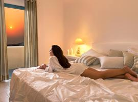 Evgenia Villas & Suites by Calm Collection, hotel near Museum of Prehistoric Thera, Fira