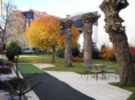 W21 Penzion Villa Veres, hotel poblíž Letiště Piešťany - PZY,