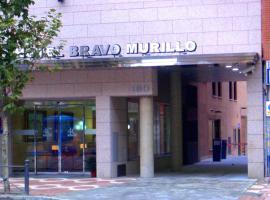 4C Bravo Murillo, hotel dicht bij: metrostation Begona, Madrid