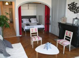 Chez Mo, budget hotel in Lyon