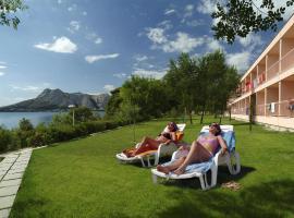 Tourist Settlement Brzet, hotel in Omiš
