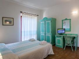 Hotel Sandalyon, hotell i San Teodoro