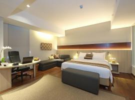 Ra Premiere Simatupang Jakarta, hotel near Ragunan Zoo, Jakarta