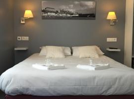 Au Bout Du Quai, hotel in Granville