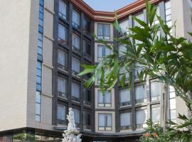 Golden Tulip Essential Lagos Airport Hotel, hotel in Lagos
