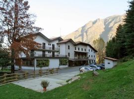 Albergo Il Castellino, hotel in zona Montecampione Resort, Boario Terme
