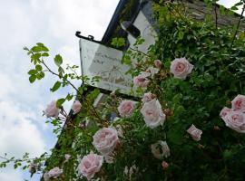The Mulberry Inn, hotel near Erddig, Glyn-Ceiriog