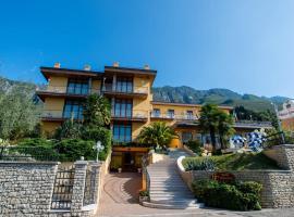 Hotel Cristallo, hotel v destinaci Malcesine
