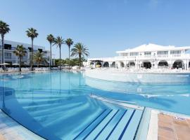 Grupotel Mar de Menorca, family hotel in Es Canutells