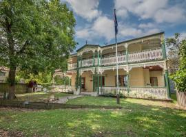 Grove Manor, guest house in Brisbane