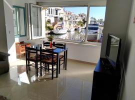 Waterside Apartment - Two Bedroom, appartement in Empuriabrava