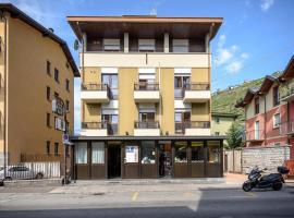Hotel Schenatti, hotel in Sondrio